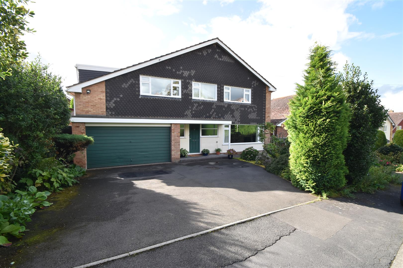 4 Bedrooms Detached House for sale in Rye Close, Droitwich